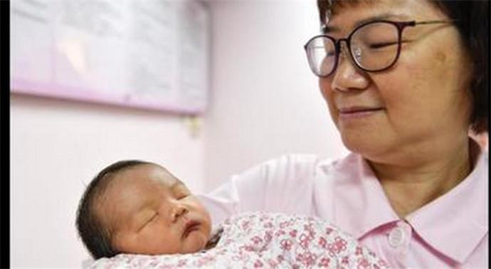 男婴出生就18岁 冷冻胚胎度过了18个年头才顺利出生