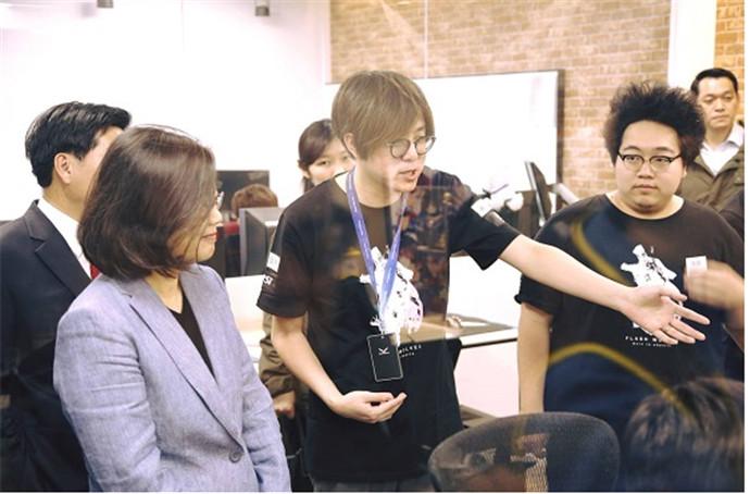 http://www.weimeicun.com/uploads/allimg/170326/1010-1F326163J40-L.jpg
