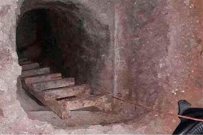 挖40米长地道,数十名囚犯越狱引起市民恐慌