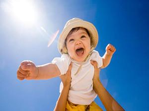 让儿子停课晒太阳 孩子不同于成人补维D要得当