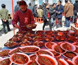 上门烧饭服务进村,村民们纷纷觉得省心又不贵!