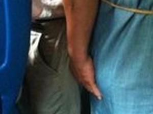 """为反性骚扰,墨西哥地铁设了""""裸男""""座位"""