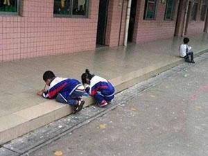 小学被指罚跪学生 体罚学生的事情屡禁不止