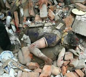 房屋倒塌丈夫用自己的身体护住妻子感动无数网友