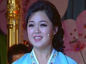 朝鲜领导人金正恩的妻子 李雪主与前夫的照片