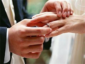 学者赞同婚龄18岁 主要原因是为农村孩子考虑