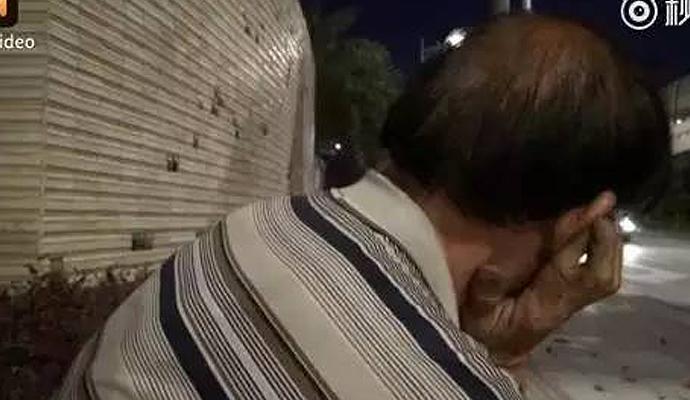 卖菜叔骑三轮睡着,卖菜叔