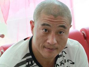 刘小光出轨 被爆嗜赌如命欠巨额债务要师父