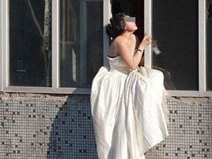 新人争吵新娘要跳楼 准新人一言不合就跳楼