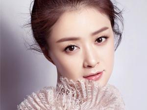 蒋欣瘦30斤亮相 女神为戏减肥成功网友赞其为新疆美人