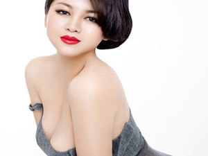 俞晴拍摄破尺度大片 中国版梦露透视白衬衫不穿内衣