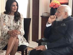 印度女星露小腿见总理挨轰 身材好遭骂后再发妖媚照回击