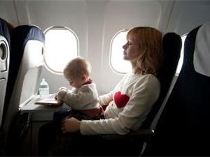 新生儿获终身免费乘机资格 出生于万米高空