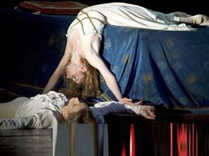 女护士死亡姿势离奇 事件诡异真正死因不明其男友重伤