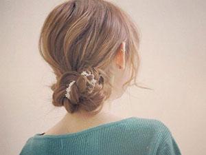 怎样扎头发好看 学会这几款扎发方法轻松打造百变发型