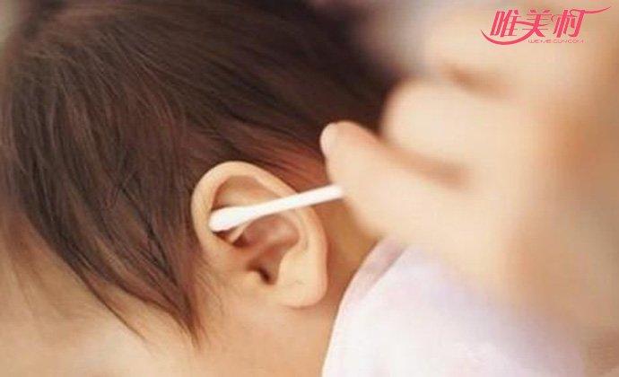 5岁男孩耳朵结满耳屎