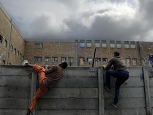 监狱成为色情场合,严肃场合实在不应如此