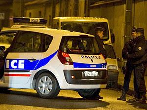 法国发生枪击事件 蒙面男子残忍向人群扫射