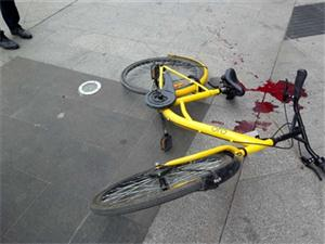 少年骑小黄车被划伤股动脉 流失了大概600毫升的血液