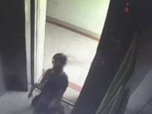 女童被关电梯坠亡 惨剧本可避免事件原委经