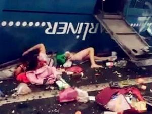 广州大巴高速翻车已致19死 事故原因仍在调
