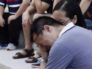 陪父母看房坠亡 女童不幸坠亡其家人痛不欲生事故全程曝光