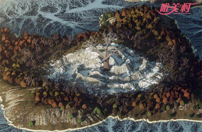 男子需裸体登神秘岛