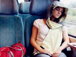 陌生人车内躺着一少女 少女深夜出走被捡上