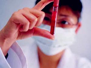 老人因输血感染艾滋离世 家属认定是医院疏