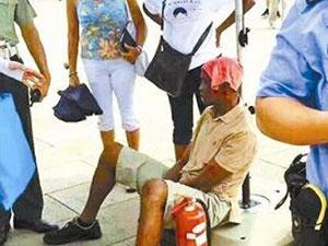 非洲客天安门中暑 网友们都表示惊呆了