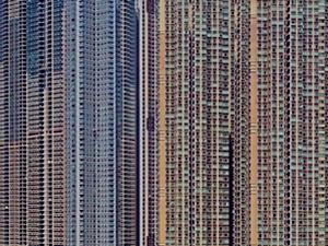 香港惊现现实版鸽子笼 密密麻麻令人眼花缭