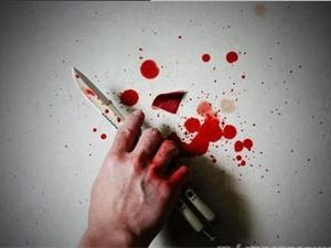 摊主提醒女顾客有小偷 激怒小偷被其团伙杀死