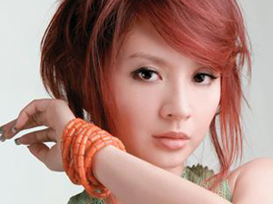 飞儿乐队的主唱詹雯婷 曾经最红乐团主唱现