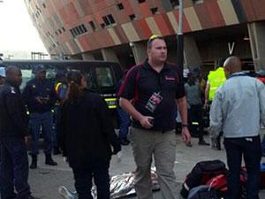 南非球场发生踩踏 踩踏现场混乱赛场无影响