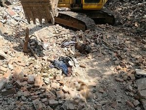 拆迁现场发现高度腐尸 死者自房屋拆迁起与家人失去联系