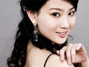 侯梦莎已经结婚了吗 硕士生毕业的高材生女演员