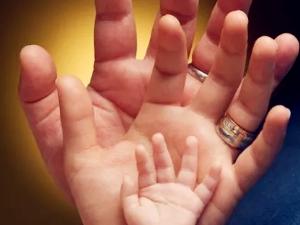 夫妻因智商低被剥夺抚养权 智障父母能否抚养孩子