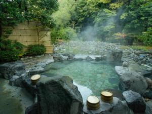 温泉具有疗效 不同的温泉有不同功效让你大开眼界