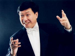 大叔狂追肇事女子 大叔竟然是著名音乐家刘键
