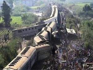 埃及两列火车相撞 两省医院进入紧急状态