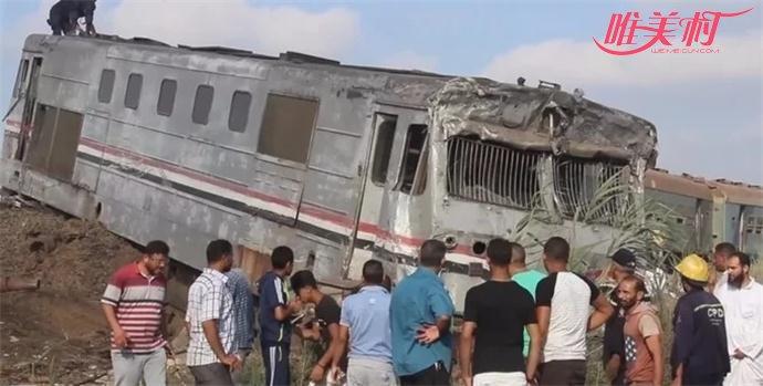 埃及两列火车相撞