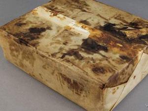 现百年前水果蛋糕 意外发现神秘来历竟能完好保存令人讶异