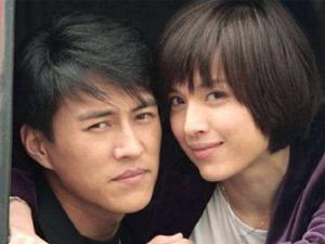 靳东低调赴香港陪产 娇妻李佳生二胎好男人