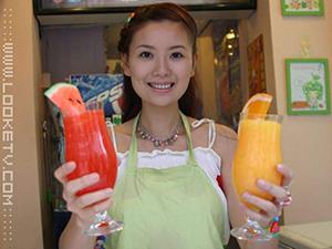 湖南卫视美女主持人yoyo 从青春洋溢到温重
