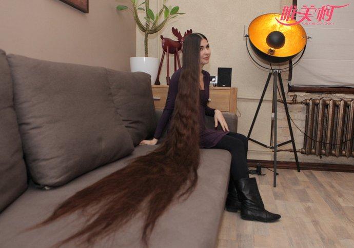 俄美女14年未剪发