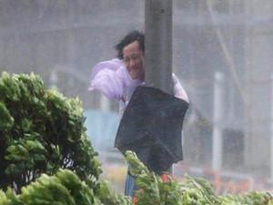 """""""天鸽""""成今年最强台风 90斤以下上天变得轻而易举"""