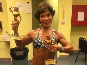 71岁老太太成健美达人 肌肉壮硕线条匀称令