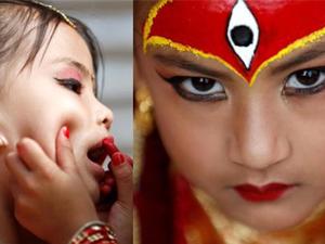 """小女孩化身活女神 女童化上""""浓妆""""受众人膜拜是一种信仰"""