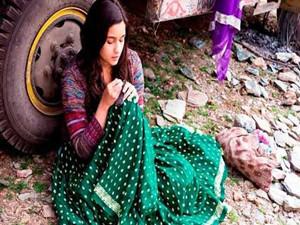 印度三名歹徒持枪进入民宅 全家目睹女孩被
