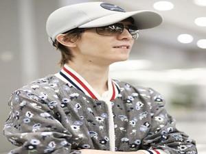 郭敬明被爆骚扰后亮相 神态轻松看似并无受影响
